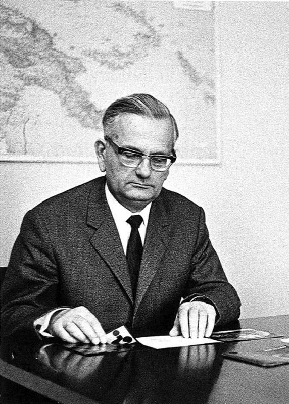 Pfr. Dr. Oswald Henke